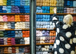 """Soothing Dementia: Knitters Create """"Twiddle Muffs"""""""